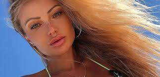 Abby Dowse Lips Plastic Surgery