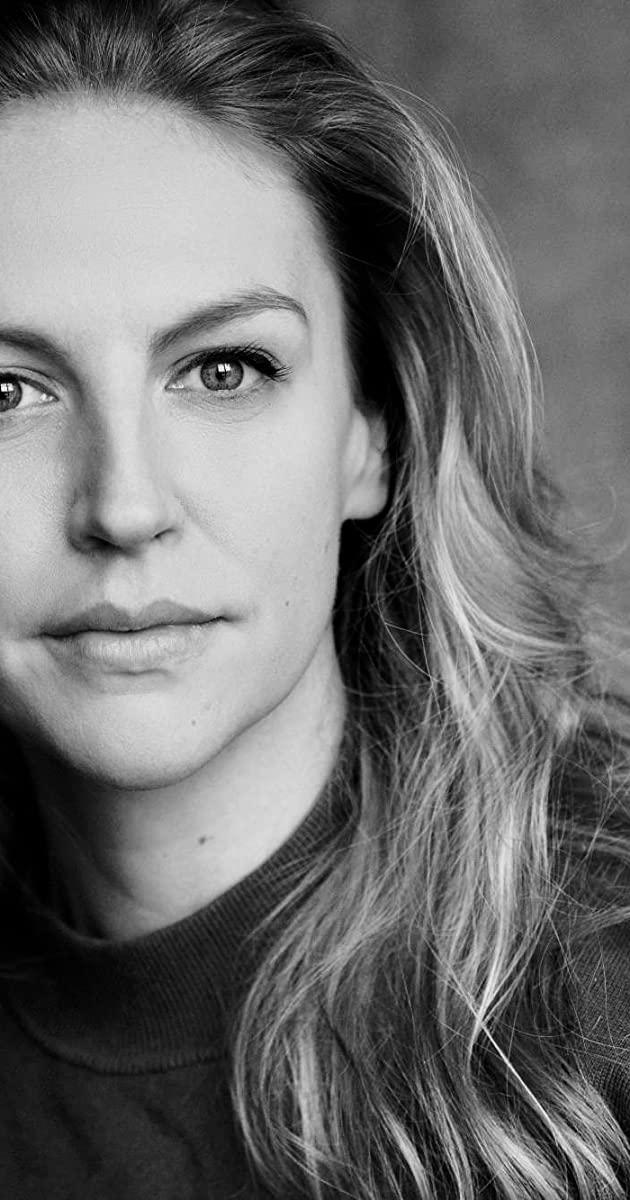 Caitlin Innes Edwards Nose Job Plastic Surgery
