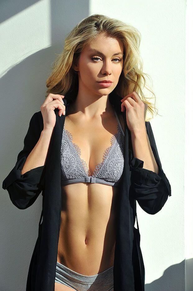 Jennifer Holland Boob Job Plastic Surgery