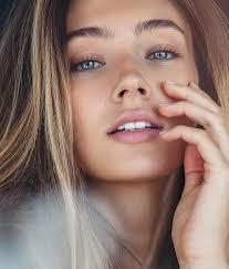 Lorena Rae Lips Plastic Surgery