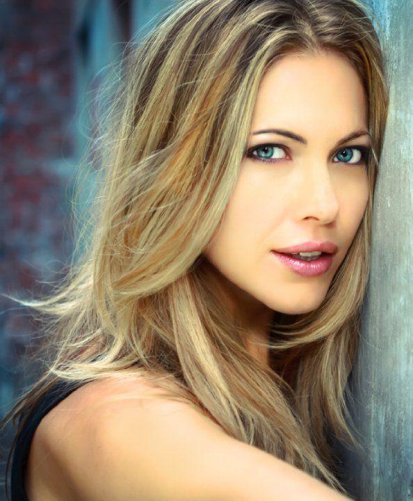 Pascale Hutton Lips Plastic Surgery