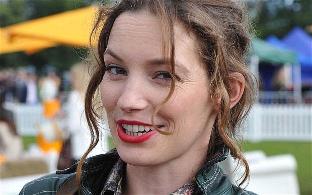 Perdita Weeks Plastic Surgery Nose Job Boob Job Botox Lips