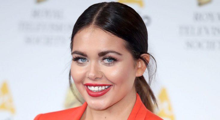 Scarlett Moffatt Plastic Surgery Nose Job Boob Job Botox Lips