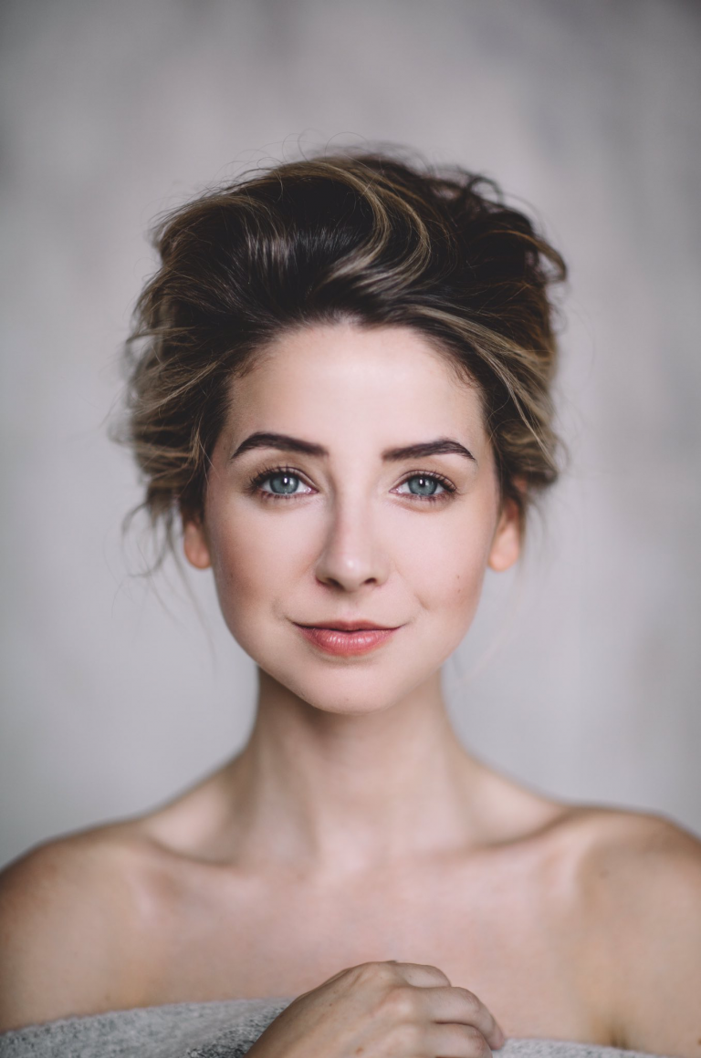 Zoe Sugg Botox Nose Job Lips Plastic Surgery Rumors